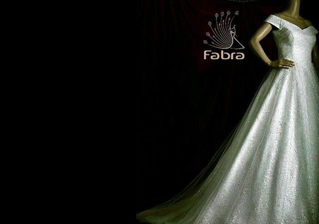 مزون لباس عروس فابرا-بزمینه