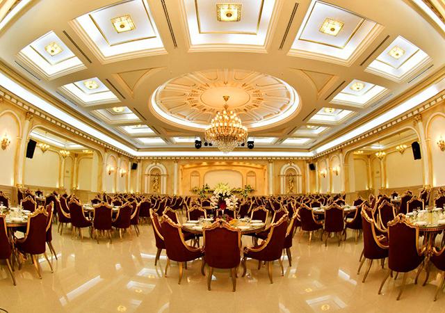 تالار مجلل قصر زرین
