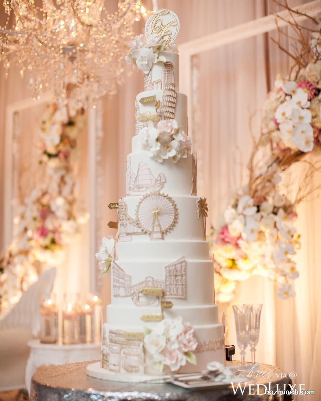 کیک بلند و باشکوه برای عروسی