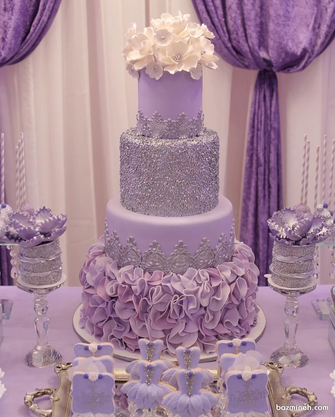 کیک بنفش همراه با تم بنفش برای تولد و نامزدی