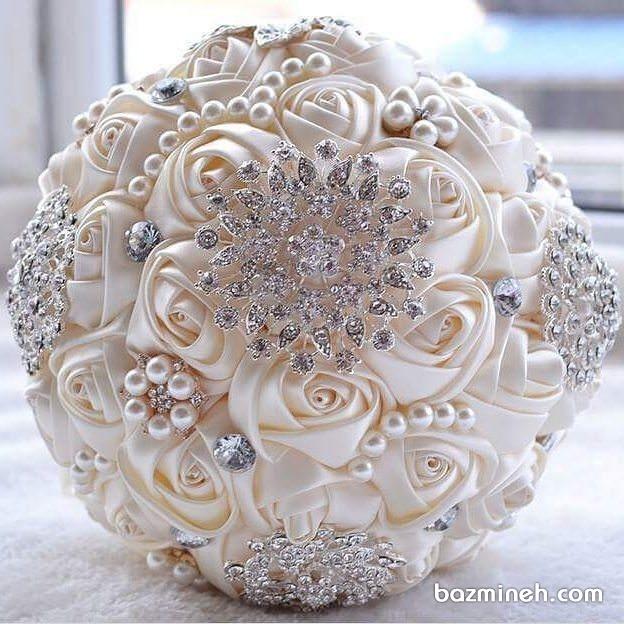 ایده دسته گل زیبای عروس با گل های ساتن و مروارید