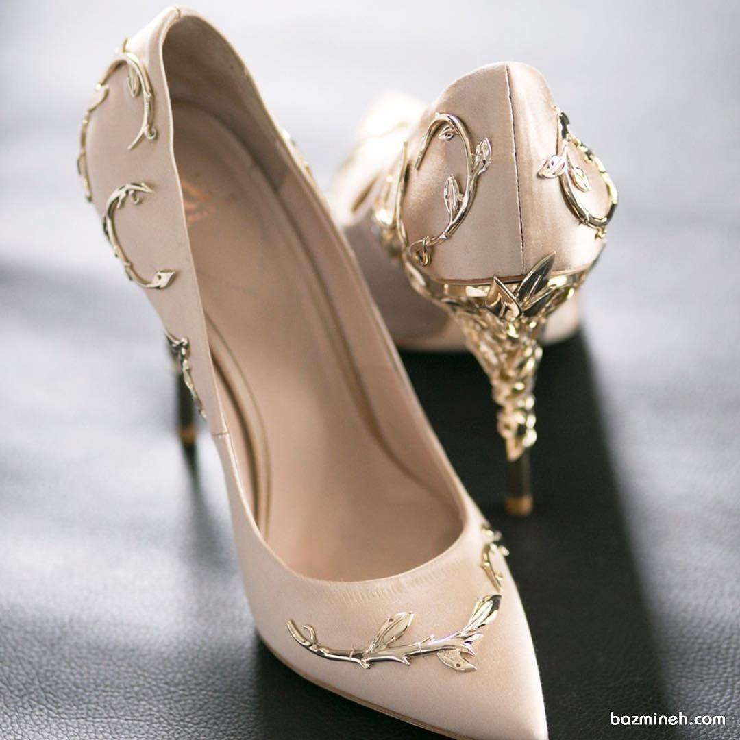 کفش پاشنه بلند زنانه مناسب برای مجالس باشکوه، جشن نامزدی یا عروسی