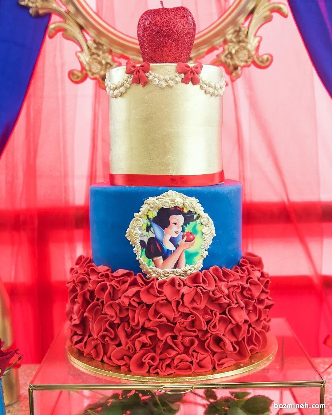 کیک زیبای جشن تولد با طرح سفید برفی