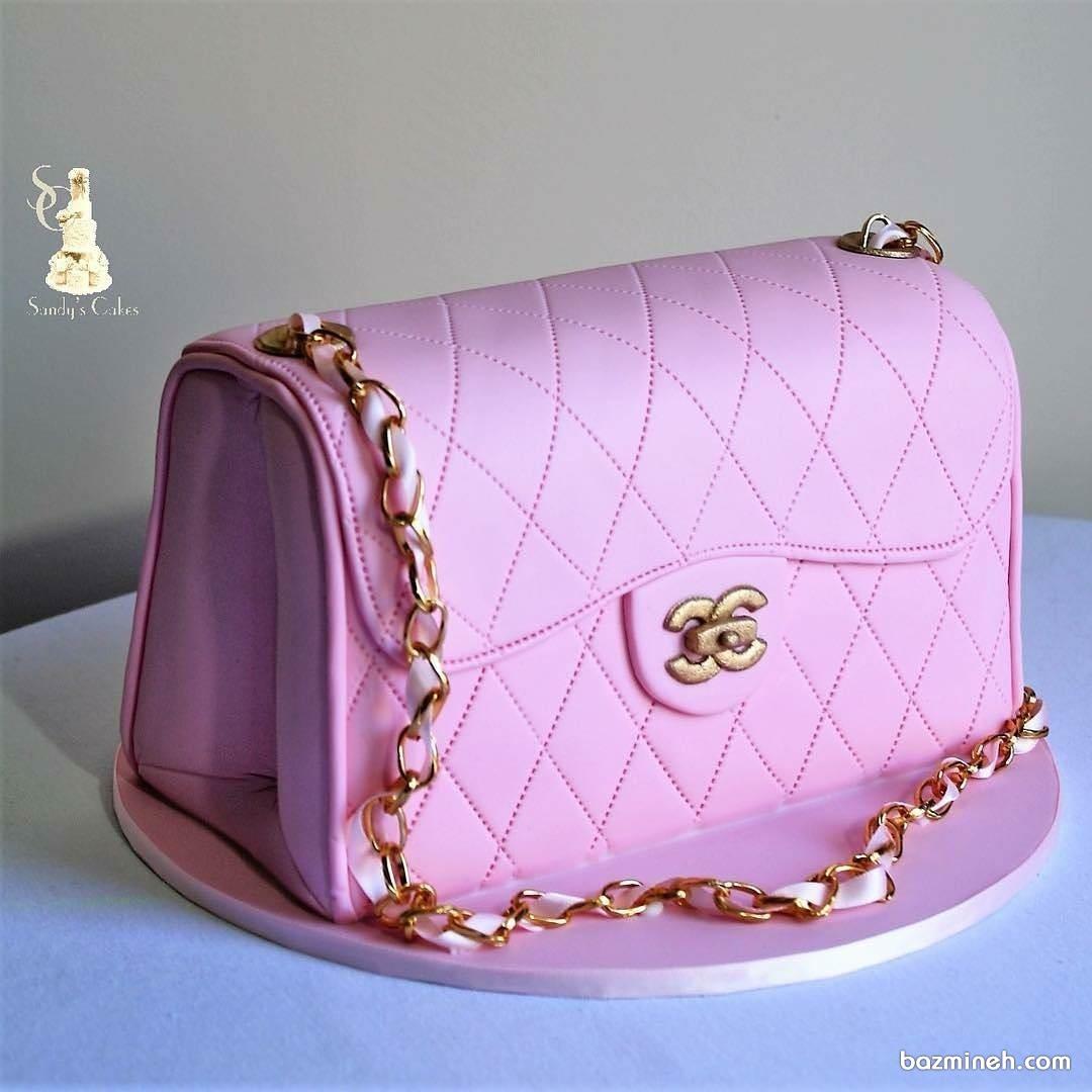 کیک زیبای تولد دخترانه به شکل کیف برند شنل