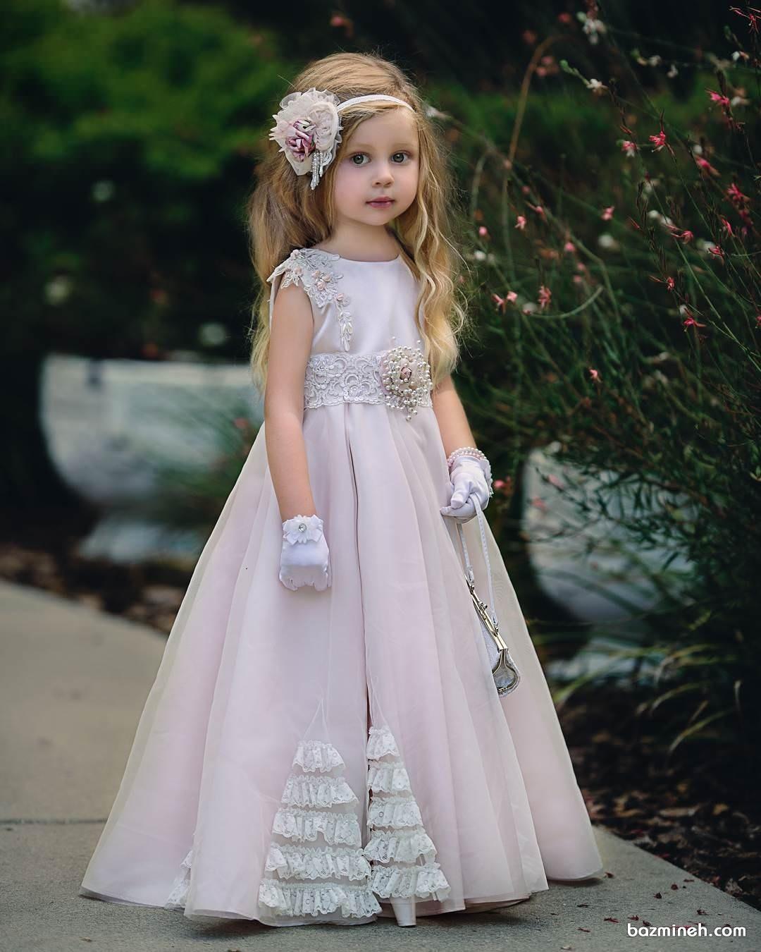 لباس مجلسی کودک مناسب برای دختر بچه های همراه عروس