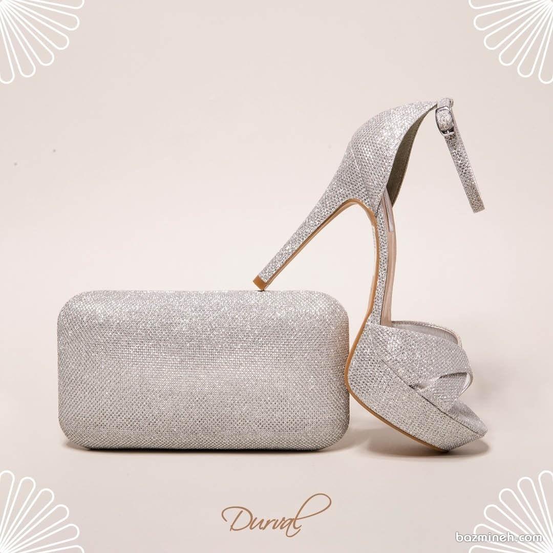 کیف و کفش ست نقره ای مناسب برای جشن نامزدی