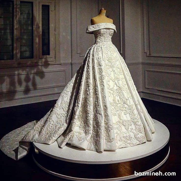 لباس عروس زیبا و شیک با دنباله متوسط مناسب عروس خانم ها با استایل کلاسیک یا وینتیج