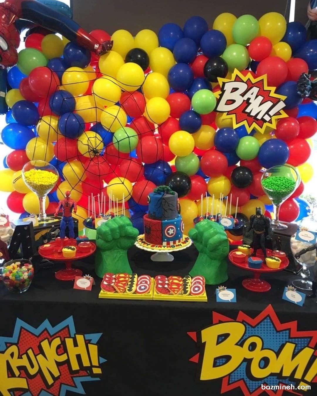 دکوراسیون و بادکنک آرایی جشن تولد پسرانه با تم مرد عنکبوتی