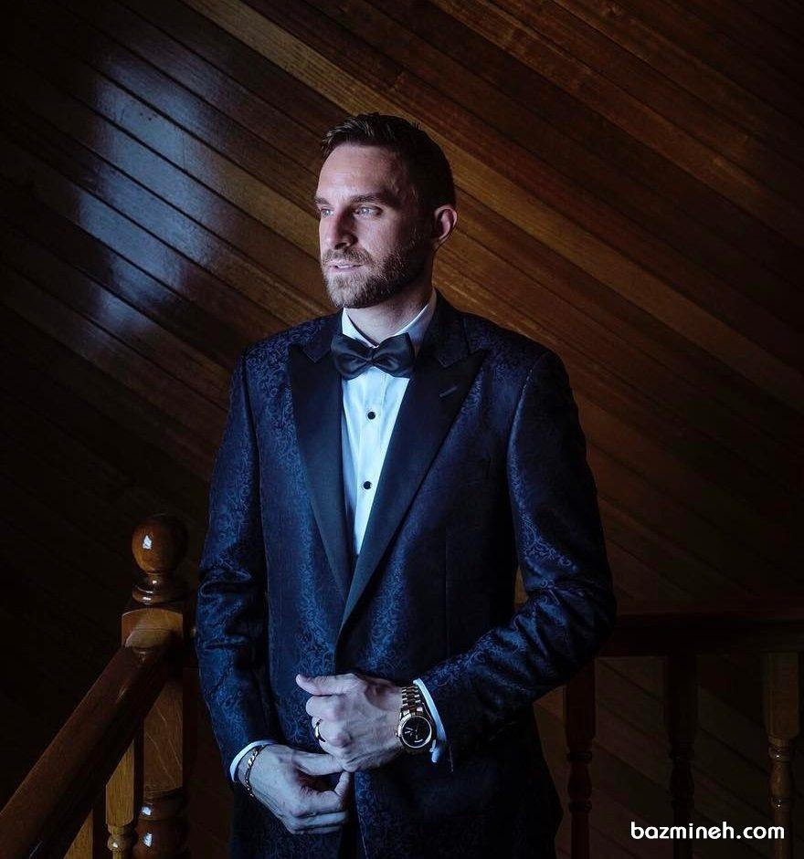 کت مشکی طرح دار مردانه همراه با پاپیون مشکی مناسب برای جشن عروسی