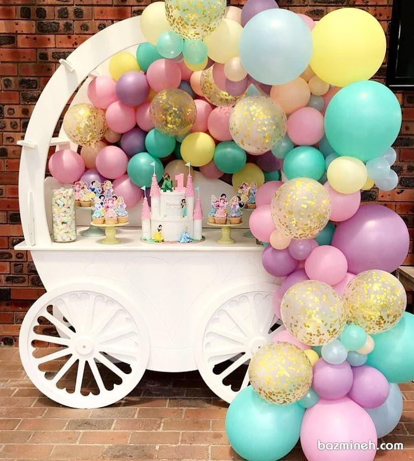 دکوراسیون و بادکنک آرایی جشن تولد دخترانه با تم پرنسس های دیزنی