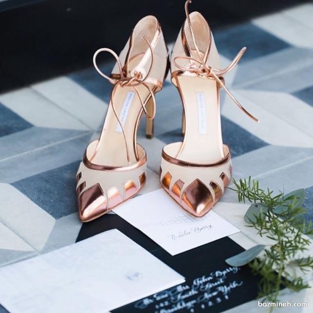 کفش پاشنه بلند نوک تیز رزگلد مناسب برای مراسم باشکوه