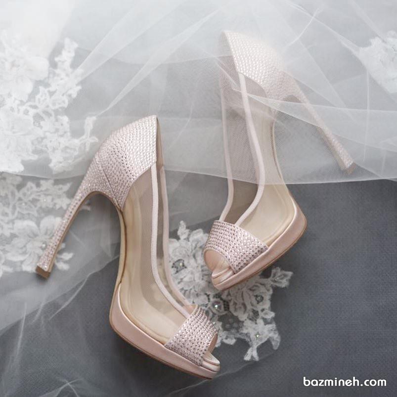 کفش جلوباز پاشنه بلند نگین دار طلایی مناسب برای جشن نامزدی