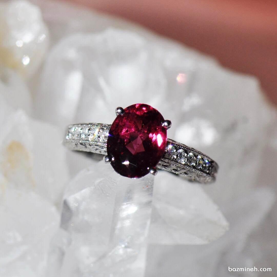 انگشتر ظریف و زیبای یاقوت قرمز مناسب برای حلقه نامزدی