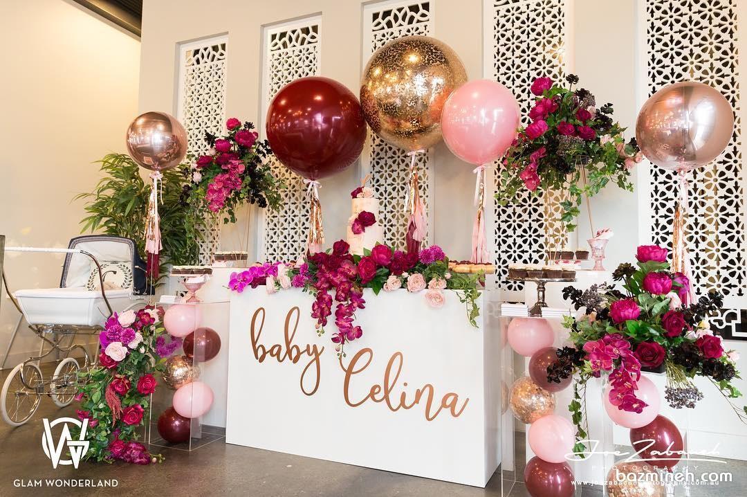 دکوراسیون شیک و باشکوه جشن بیبی شاور همراه با بادکنک آرایی و گل آرایی