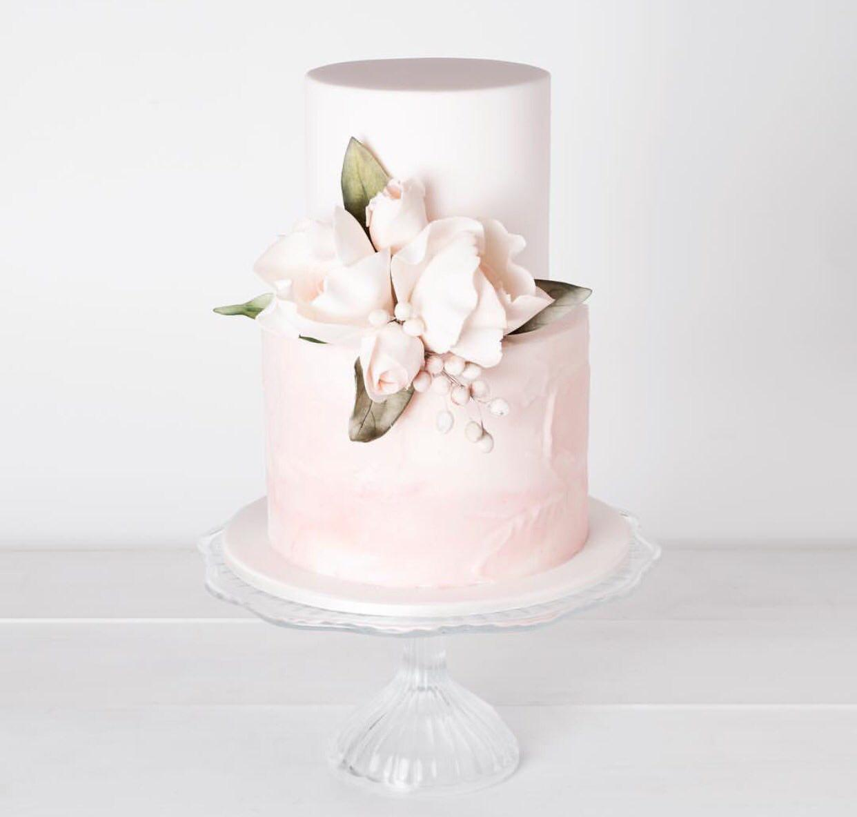 کیک مخصوص عروسی، طراحی کیک و شیرینی وانیلا