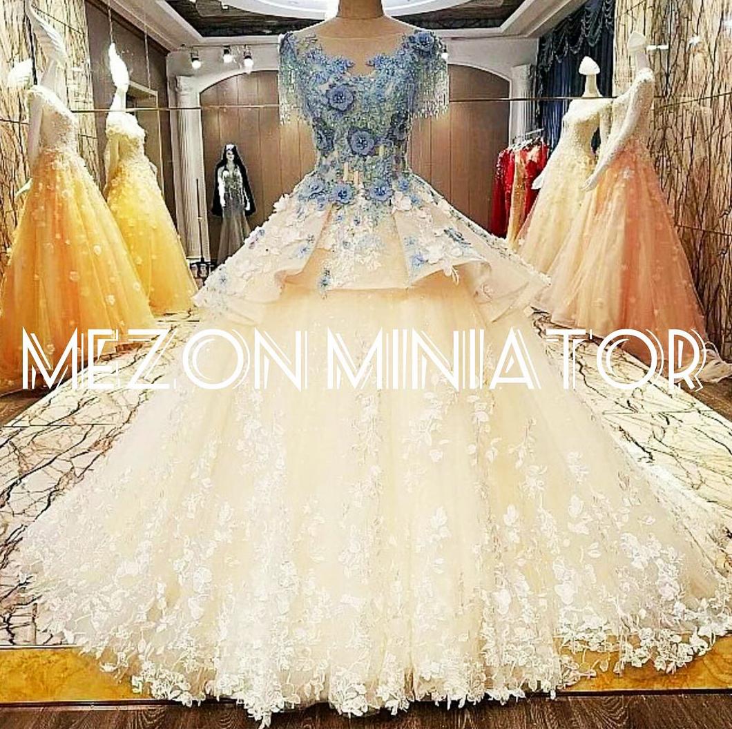 مزون لباس عروس مینیاتور-بزمینه