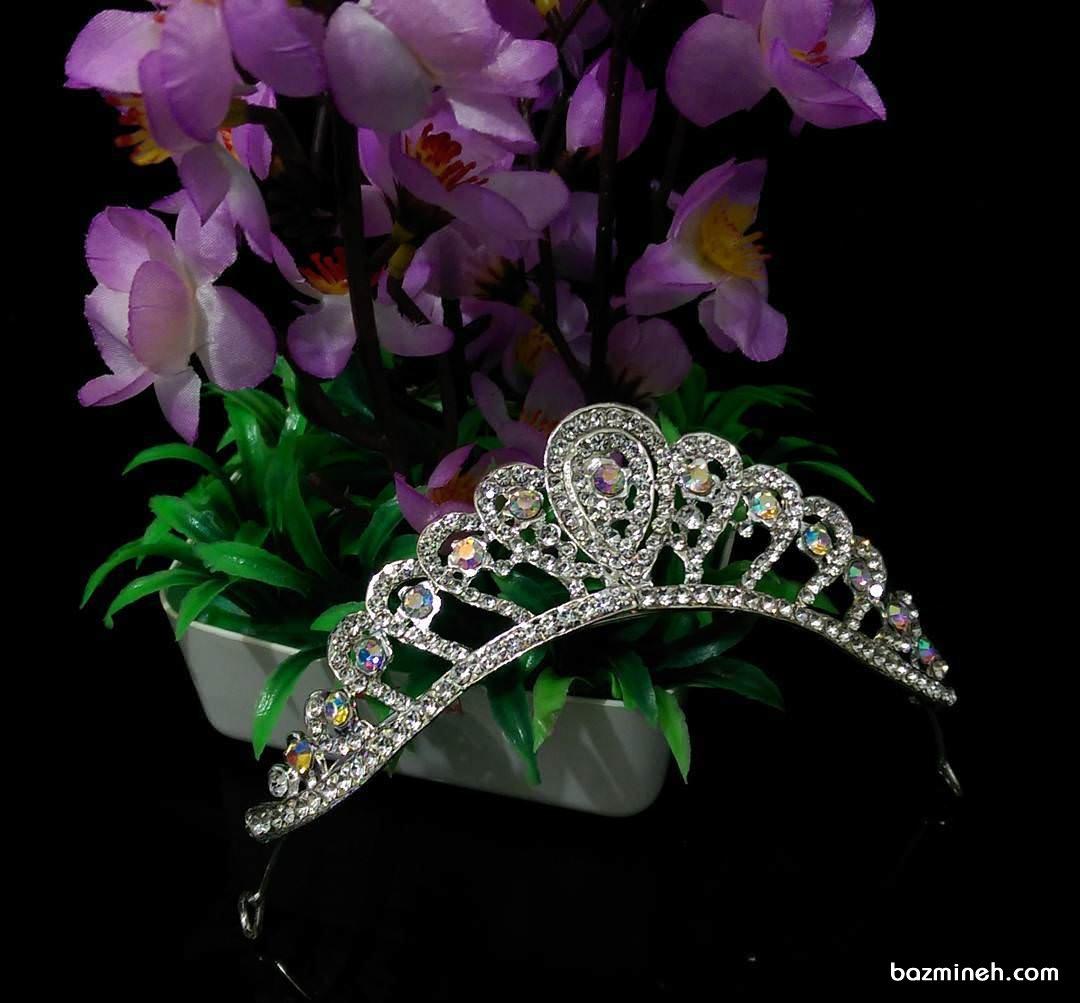 مدل تاج عروس ظریف مناسب برای عروس خانم ها در جشن نامزدی یا عروسی