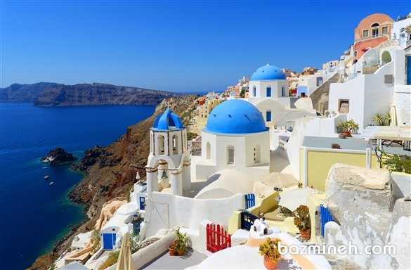 جزیره زیبای Santorini  یک پیشنهاد خارق العاده برای سفر ماه عسل است. جزیره ای در جنوب شرقی یونان که به باور بعضی ها، شهر افسانه ای گمشده آتلانتیس است.