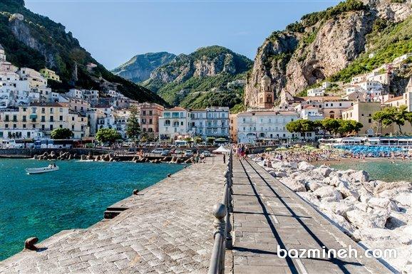 شهرهای کوچک و ساحلی ایتالیا هم زیبایی های خاص خود را دارند. شهر کوچک Amalfi علاوه بر ساحل زیبا، مکانهای تاریخی زیادی دراد.