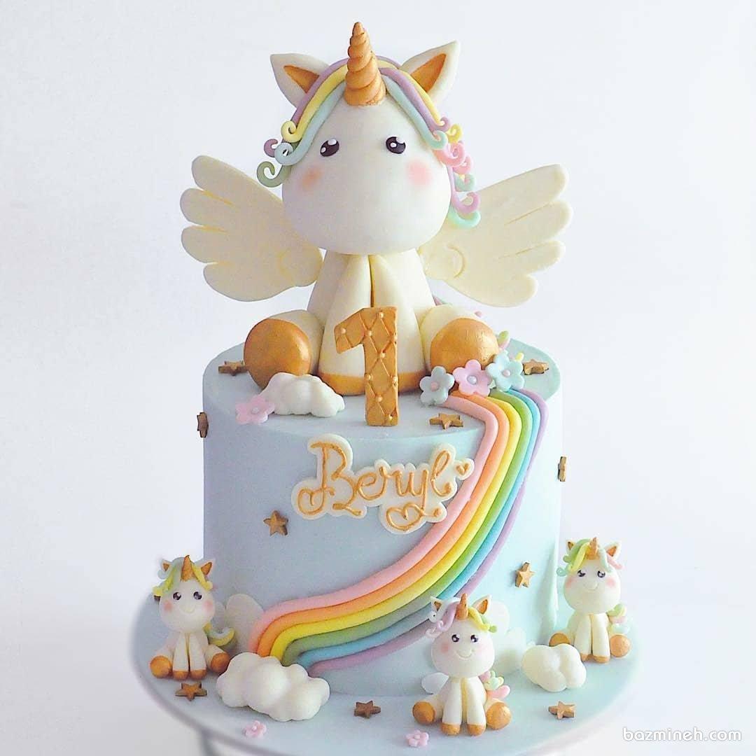 کیک فوندانت جشن تولد یکسالگی دخترانه با تم اسب تک شاخ (Unicorn)