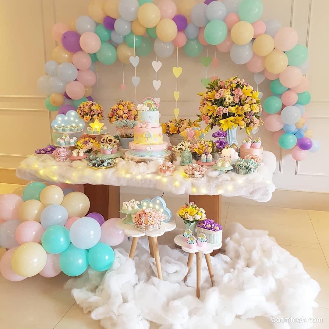 دکوراسیون و بادکنک آرایی جشن تولد دخترونه با تم رنگین کمان