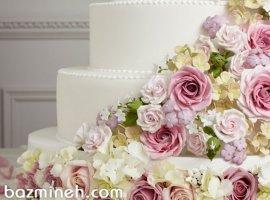 7 پیشنهاد برای تزئین کیک عروسی با گلهای تازه