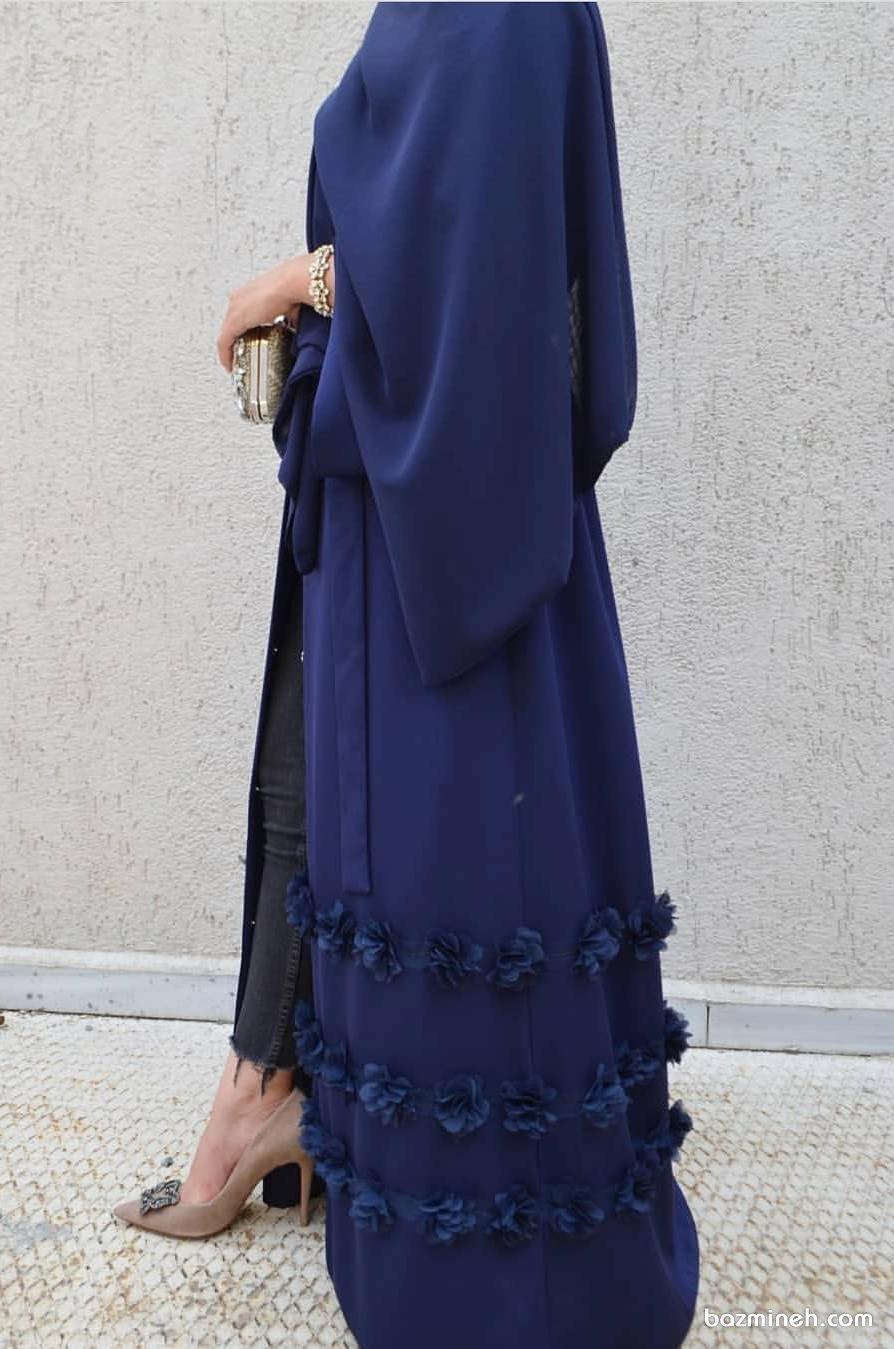 مدل مانتو ساده و شیک بلند جلو باز با گل های توری کار شده مناسب برای مراسم عقد محضری