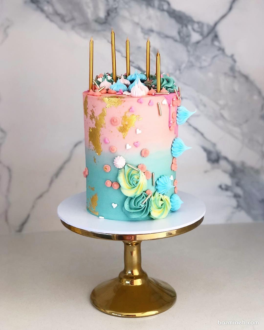 کیک فانتزی جشن تولد دخترانه با تم صورتی آبی