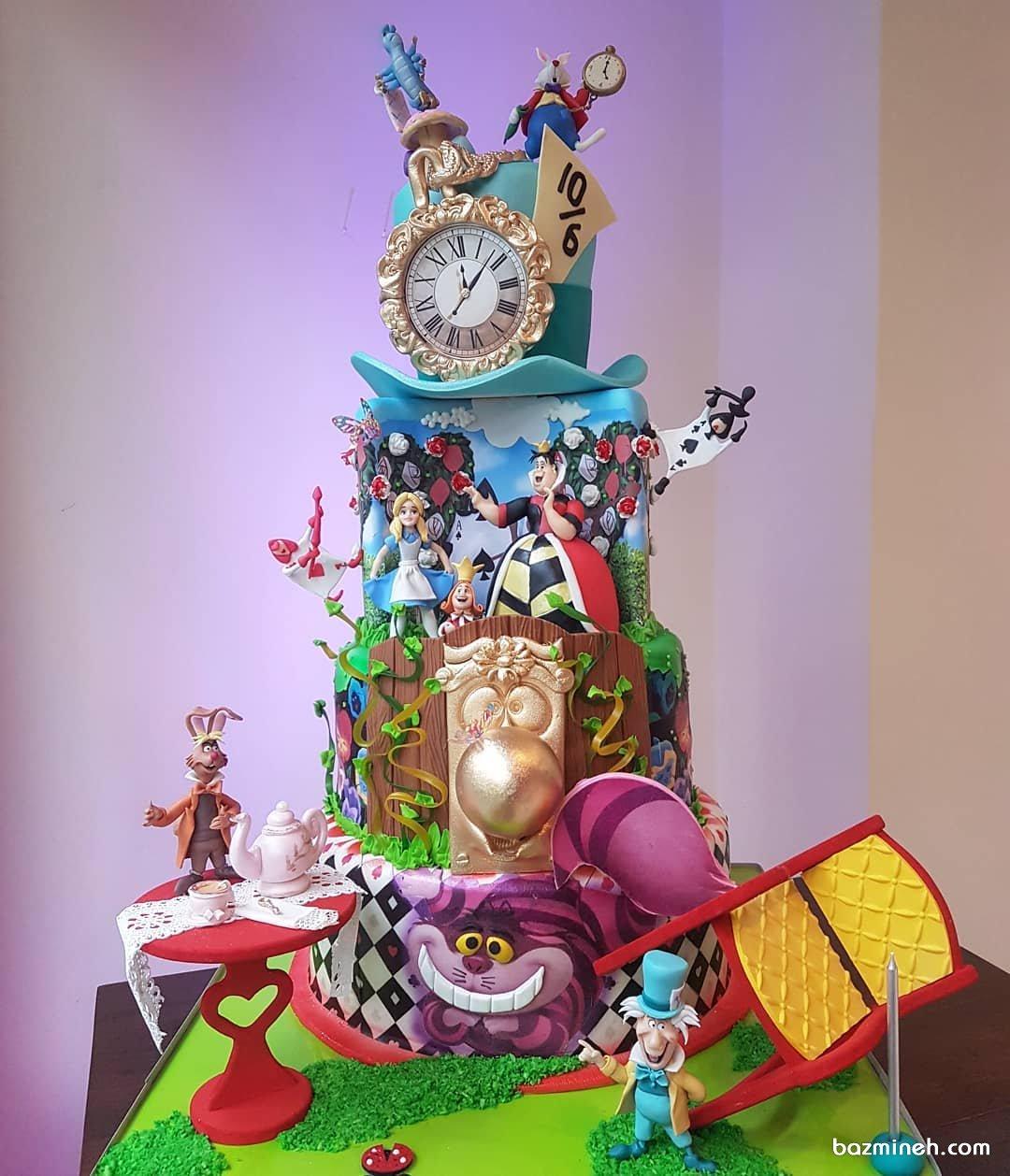 کیک چند طبقه جالب جشن تولد دخترانه با تم آلیس در سرزمین عجایب (Alice in Wonderland)
