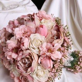 دسته گل زیبا و شیک عروس با گلهای رز، صدتومنی و هورتانسیای صورتی
