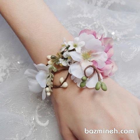 مچبند ظریفی از گلهای زیبا مناسب جشن نامزدی یا ساقدوش های عروس خانم