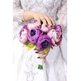 دسته گل زیبا و شیک از گلهای صدتومنی peony مناسب عروس خانمها با استایل وینتیج