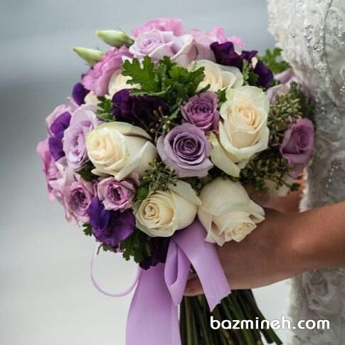 دسته گل عروسی ساده و شیک با رزهای چند رنگ