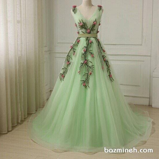 لباس مجلسی توری گلدوزی شده سبز رنگ با دامن پفی مناسب برای جشن نامزدی یا ساقدوش های عروس