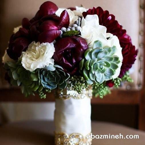 دسته گلی زیبا و خاص مناسب عروس خانم ها با استایل یونیک