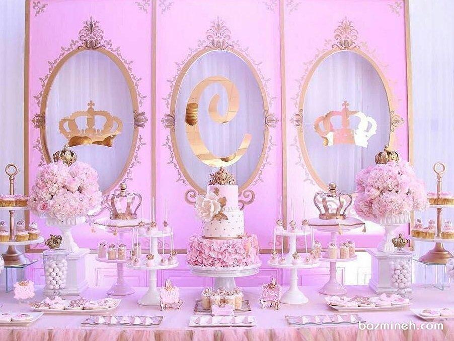 دکوراسیون جشن تولد دخترانه با تم پرنسس سفید صورتی