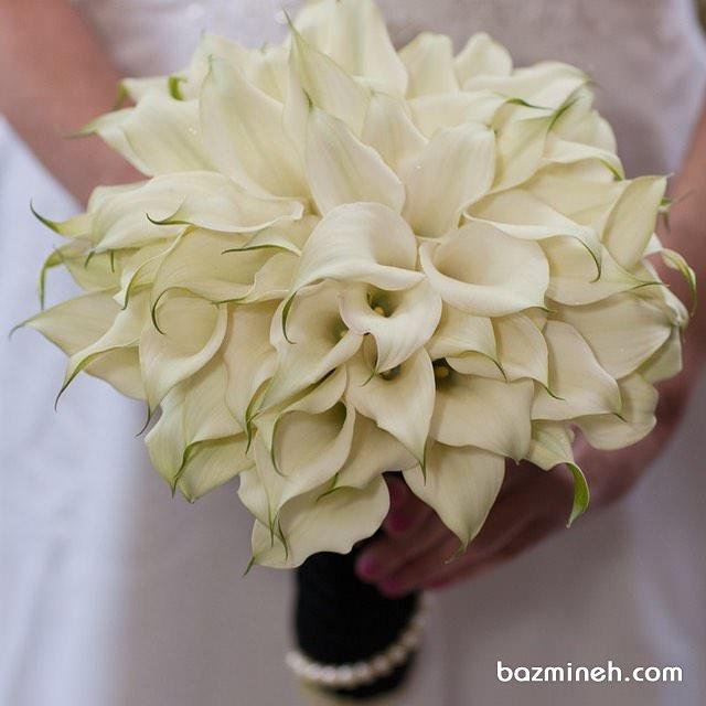 دسته گلی از گلهای شیپوری سفید برای عروس خانم ها با استایل کلاسیک