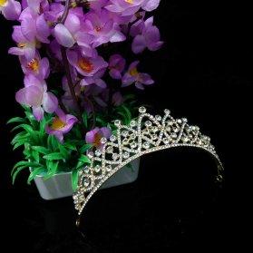 مدل ساده و شیک تاج عروس طلایی رنگ