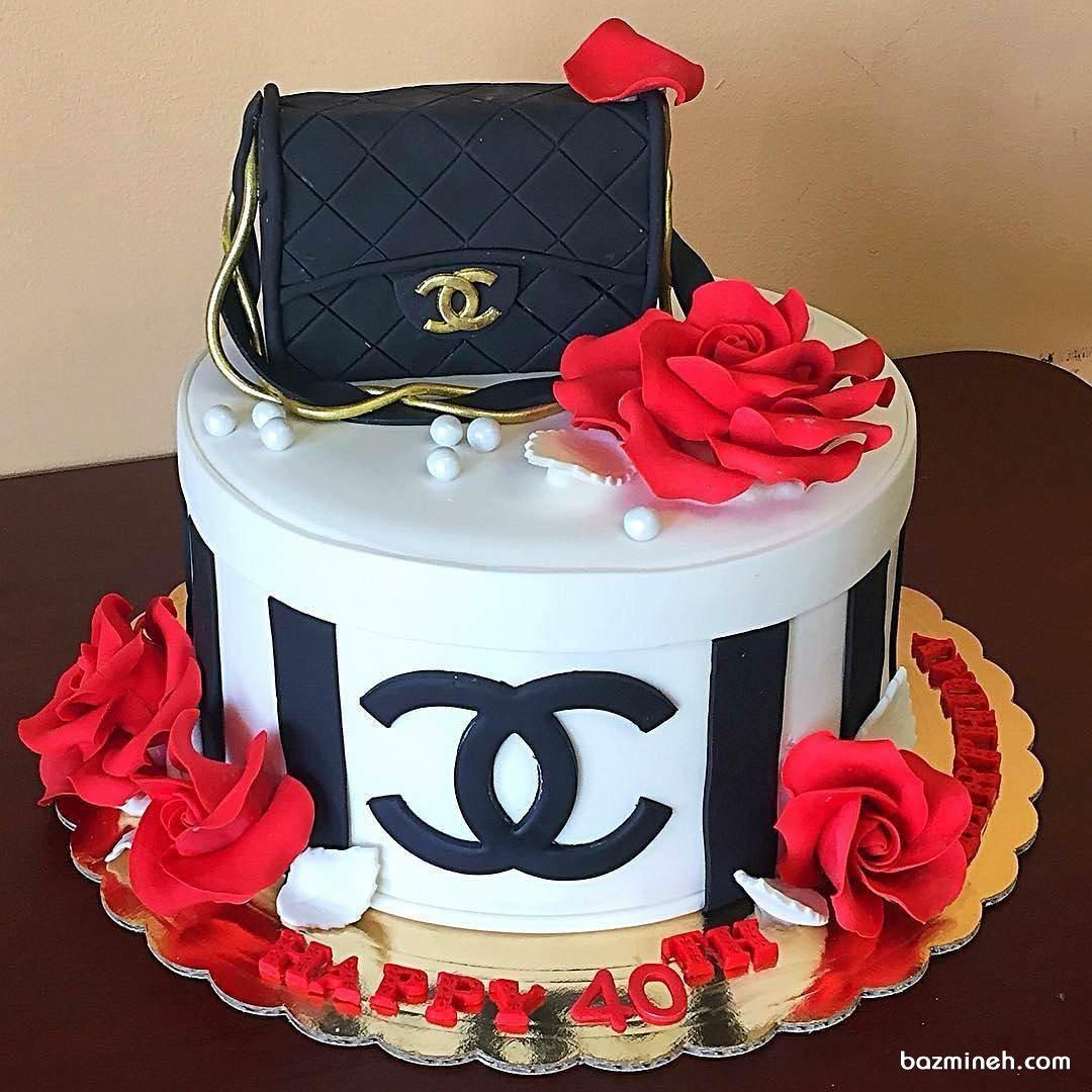 کیک فوندانت جشن تولد دخترانه با تم برند شنل (chanel)