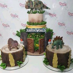 کیک و مینی کیک های جشن تولد کودک با تم پارک ژوراسیک