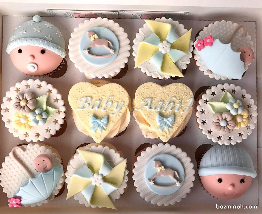 کاپ کیک های فانتزی جشن بیبی شاور پسرانه با تم زرد آبی