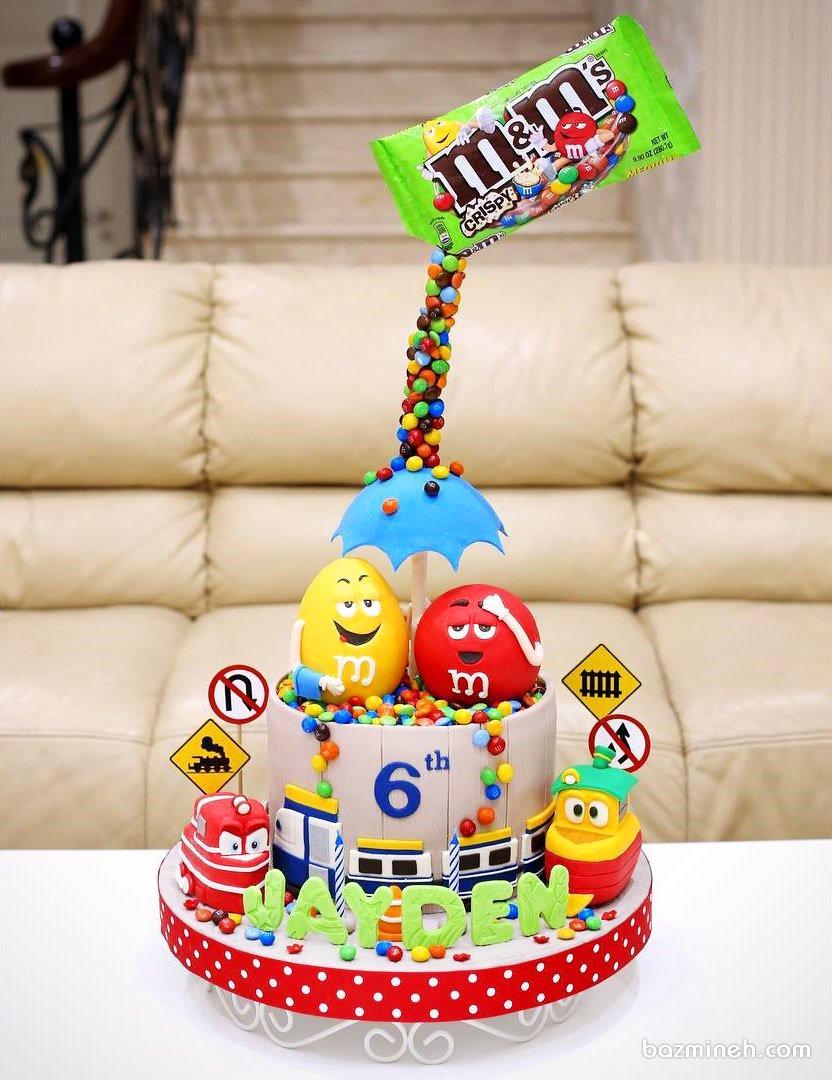 کیک فوندانت جشن تولد کودک با تم اسمارتیز ام اند ام (m &m)