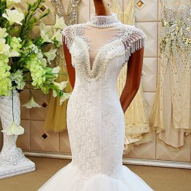 مدل بالا تنه لباس عروس مروارید دوزی شده