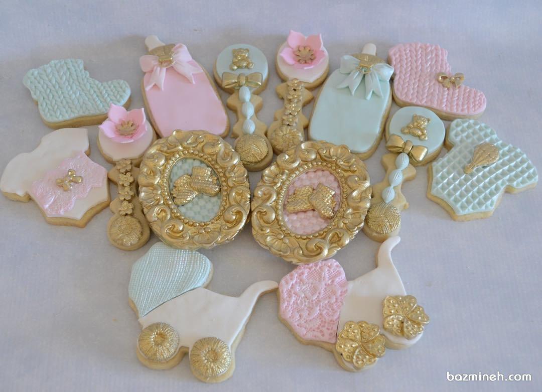 کوکی های ریزه میزه جشن تعیین جنسیت یا بیبی شاور با تم صورتی آبی طلایی
