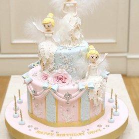 کیک رویایی فوندانت جشن تولد دخترانه با تم فرشته
