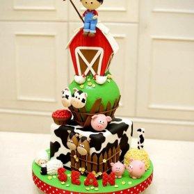 کیک فوندانت جشن تولد کودک با تم حیوانات مزرعه
