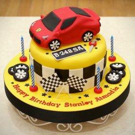 کیک فوندانت جشن تولد پسرانه با تم مسابقات رالی