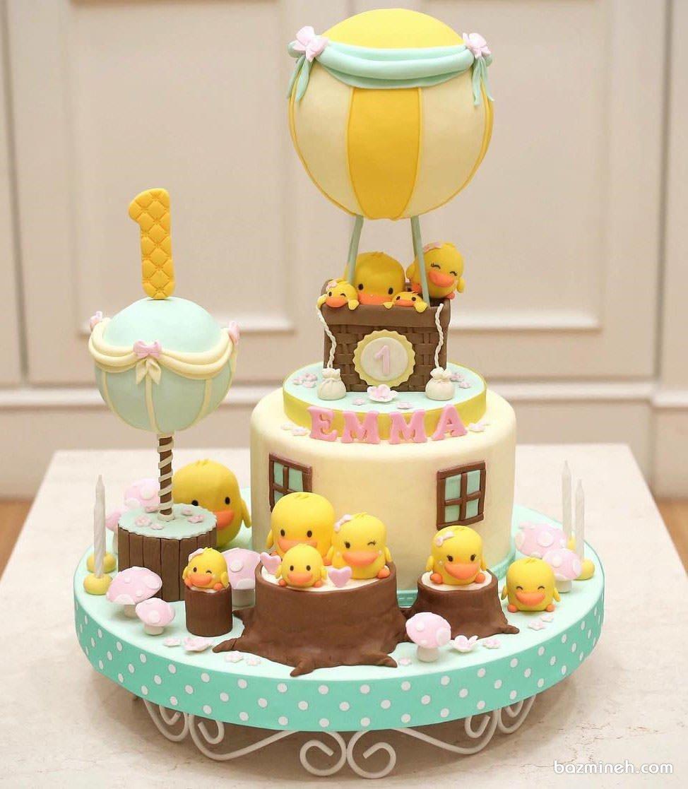 کیک فوندانت عروسکی جشن تولد کودک با تم جوجه اردک و بالن