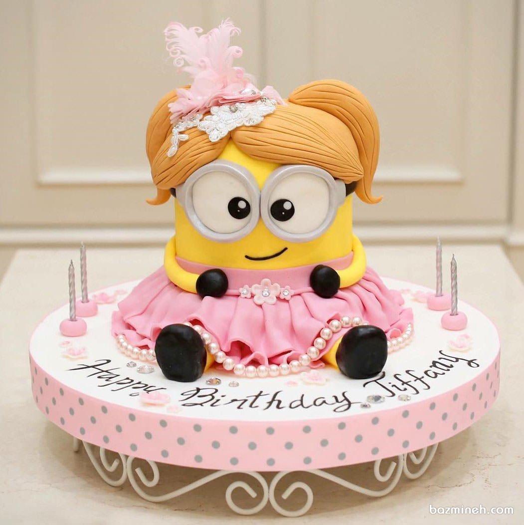کیک فوندانت عروسکی جشن تولد دخترونه با تم مینیون ها