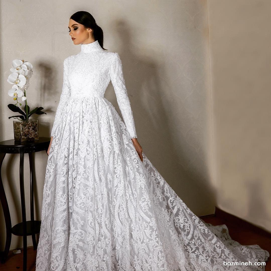 مدل لباس عروس پوشیده و شیک با دامن کلوش دنباله دار